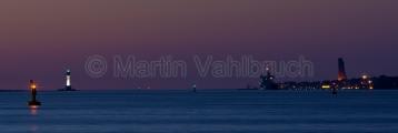Kiel - Laboe und Friedrichsorter Enge mit Fahrwassertonne Nachts