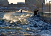 Kiel - Seegang an der Strander Hafenmauer