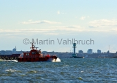Kiel - Lotsenboot mit Leuchtturm Friedrichsort