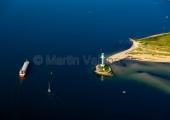 Kiel - Schiffsverkehr am Friedrichsorter Leuchtturm aus der Luft