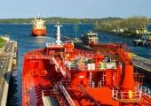 Kiel - Tanker in der Holtenauer Schleuse 2