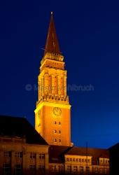 Kiel - Rathausturm bei Nacht