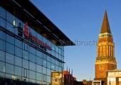 Kiel - Sparkassenarena und Rathausturm