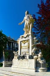 Wien - Mozart Denkmal