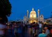 Wien - Tango vor der Karlskirche