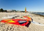 Grömitz - Strand mit Surfboard