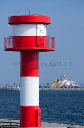 Leuchtturm Stadthafen mit Marinehafen 2