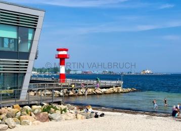 Ostsee Info Center mit Leuchtturm Stadthafen
