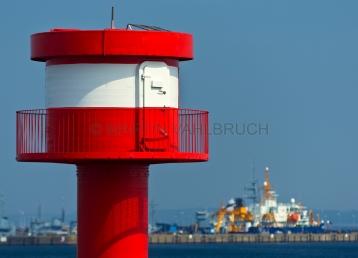 Leuchtturm Stadthafen mit Marinehafen 1