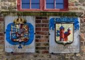 Flensburger Stadtwappen und Wappen Cristians des IV. am Nordertor