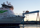 """""""Stena Germanica"""" mit Werftkränen 2"""