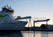 """""""Stena Germanica"""" mit Werftkränen 4"""