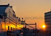 Stena mit Hafenhaus im Sonnenuntergang 1
