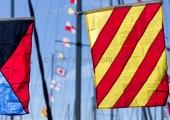 Flaggen am Yachthafen zur Classic Week 7
