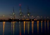 "Kiel - ""Gorch Fock"" bei Nacht an der Turpitzmole"