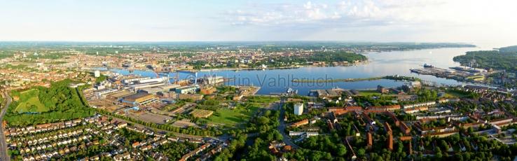Kiel aus der Luft -  Panorama 2