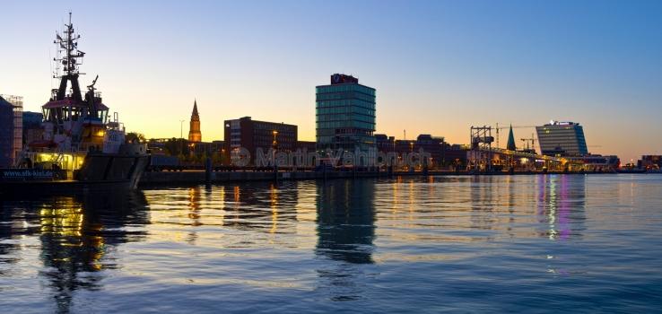 Panorama Kiel - Schlepper in der Hörn 2