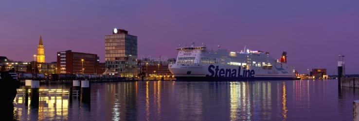 Panorama Kiel - Innenförde in der Abenddämmerung