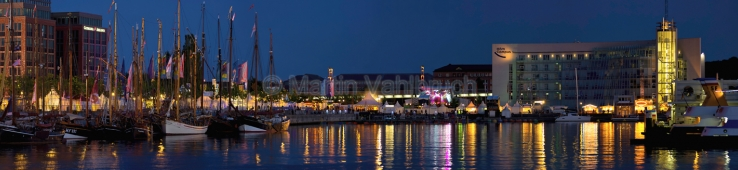 Panorama Kiel - Hörn am Abend zur Kieler Woche