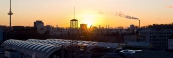 Kiel - Hauptbahnhof im Sonnenuntergang