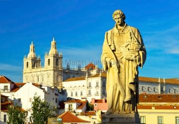 Lissabon - Mosteiro Sao Vicente von der Porta do Sol