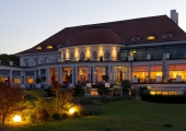 Travemünde - Atlantic Grand Hotel am Abend
