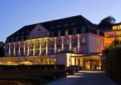 Travemünde - A-Rosa  Hotel bei Nacht