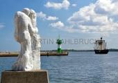Travemünde - Hafeneinfahrt mit Steinfigur 3
