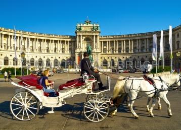 Wien - Fiaker am Heldenplatz